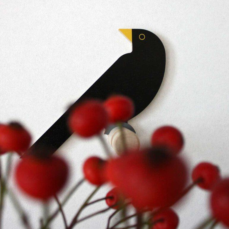 Hinghang Blackbird wall hook with berries