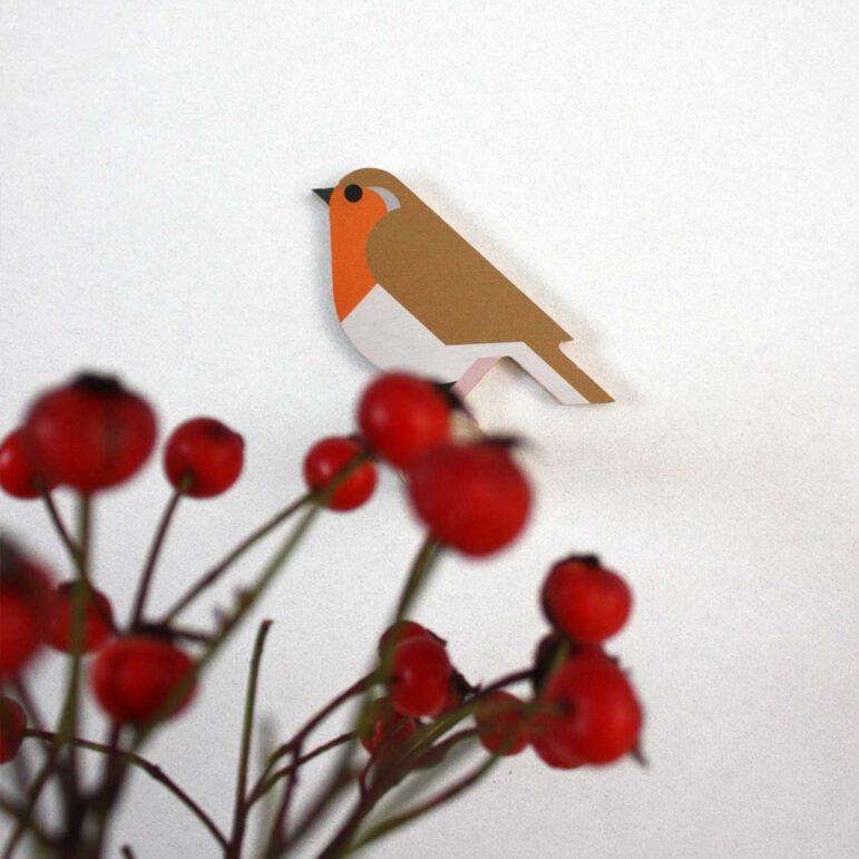 Hinghang Robin wallhook with berries